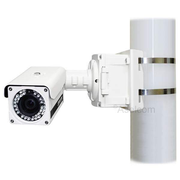 Mastbeugel tegen verschuiven van de bewakingscamera